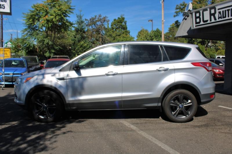 Ford Escape 2016 price $10,100