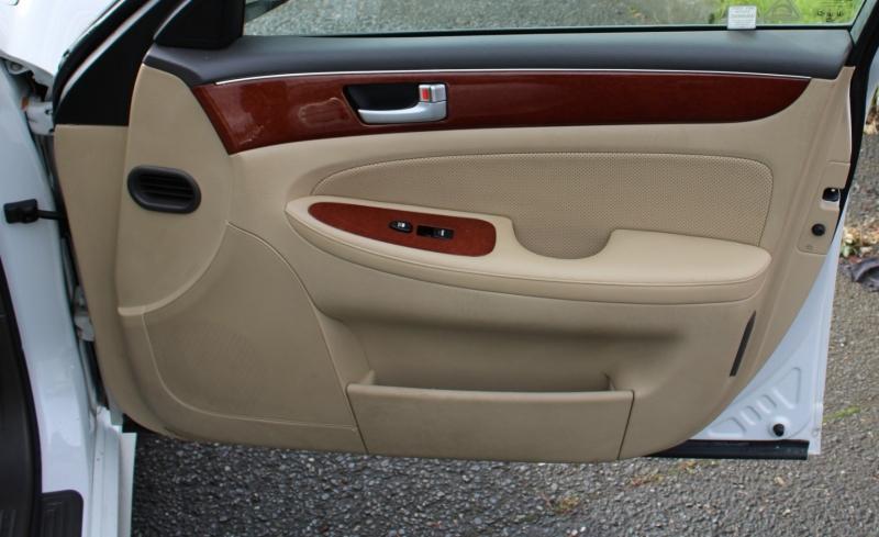 Hyundai Genesis 2013 price $8,499