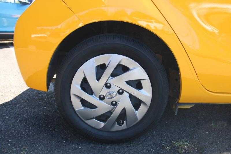 Toyota Prius c 2016 price $10,499