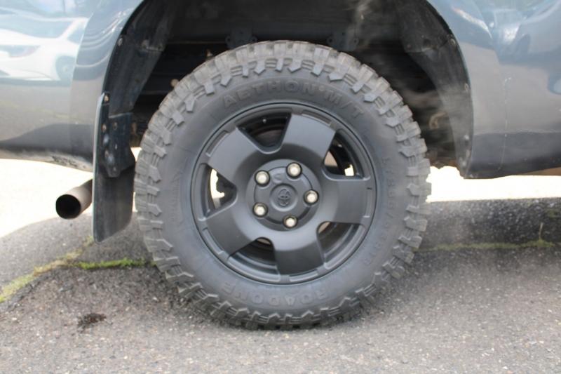 Toyota Tundra 4WD Truck 2010 price $22,399
