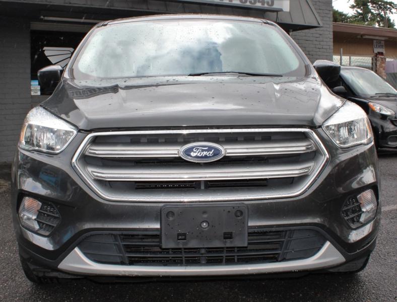 Ford Escape 2017 price $16,499