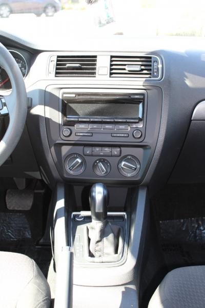Volkswagen Jetta 2015 price $15,250