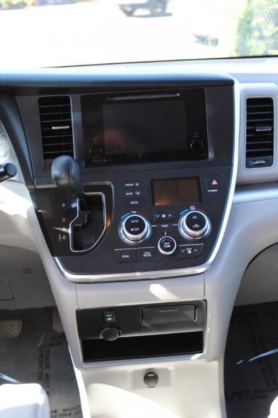 Toyota Sienna 2015 price $20,400