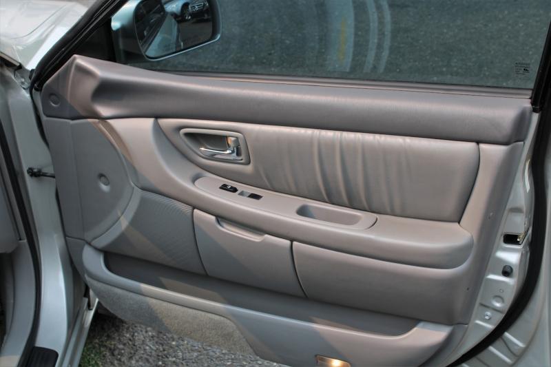 Toyota Avalon 2001 price $5,100