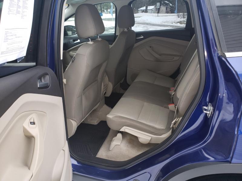 Ford ESCAPE 2015 price $9,850