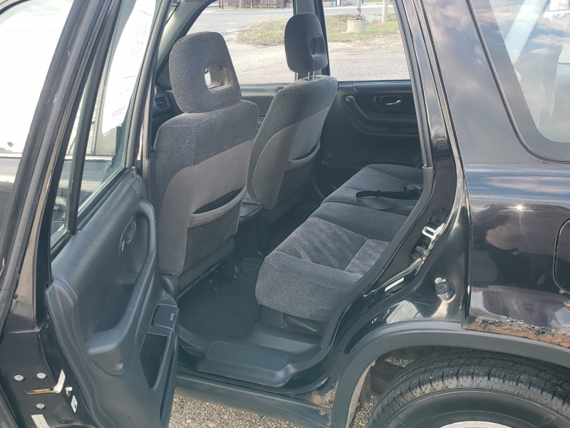 Honda CR-V 2000 price $2,000