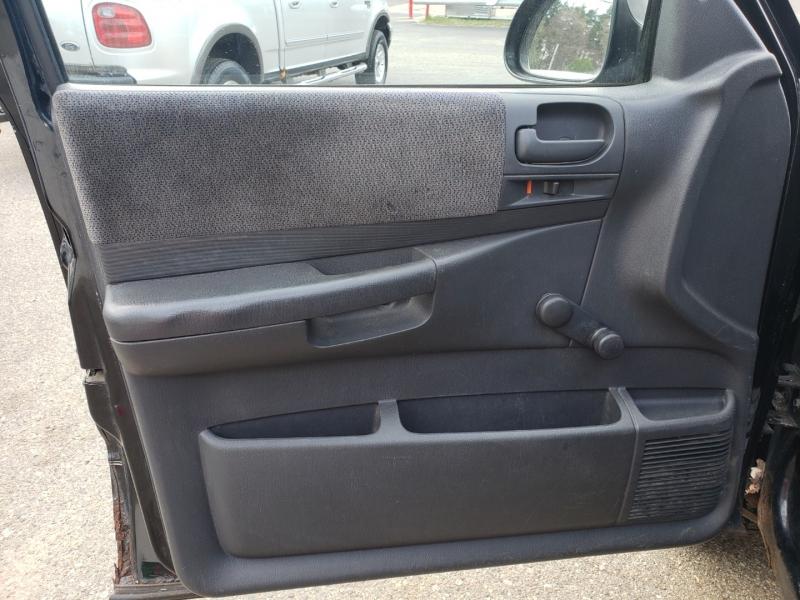 Dodge DAKOTA 2003 price $2,673