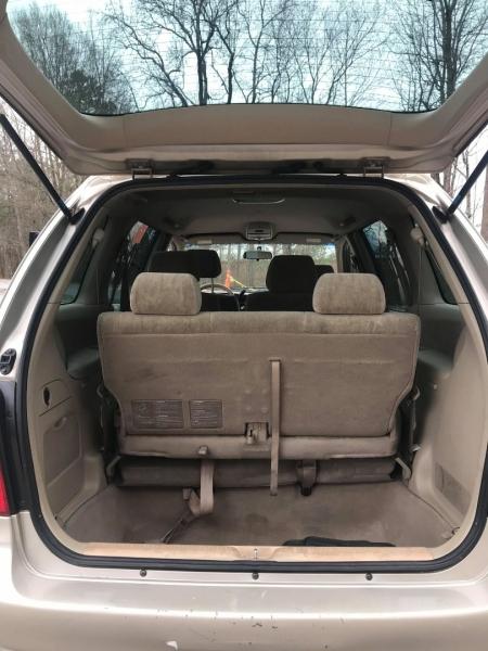 Mazda MPV 2001 price $3,500