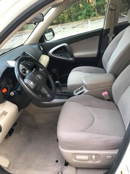 Toyota RAV4 2006 price $7,999