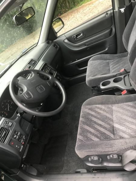 Honda CR-V 2000 price $3,995