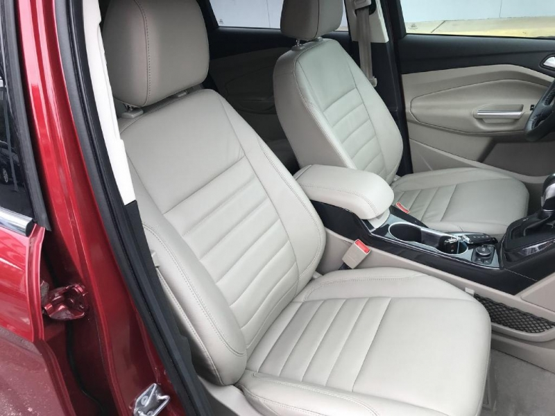 Ford Escape 2015 price $13,600
