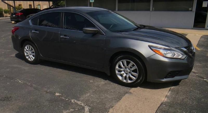 Nissan Altima 2016 price $11,900