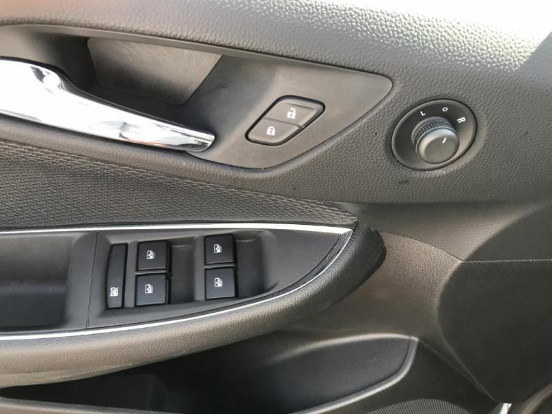 Chevrolet Cruze 2017 price $11,900