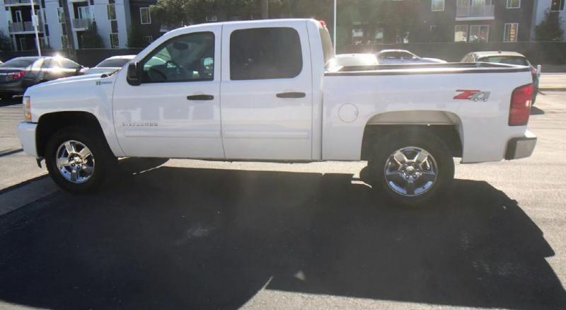 Chevrolet Silverado 1500 Hybrid 2011 price $17,600