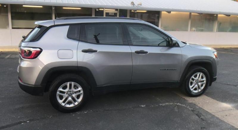 Jeep Compass 2017 price $12,900