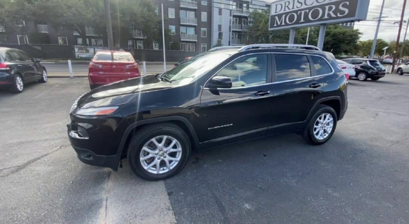 Jeep Cherokee 2017 price $13,500