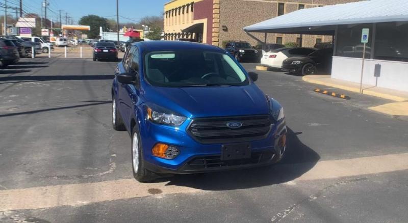 Ford Escape 2018 price $15,300
