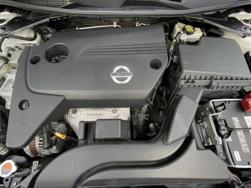 Nissan Altima 2015 price $11,900