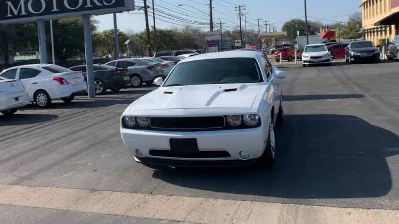 Dodge Challenger 2013 price $19,900