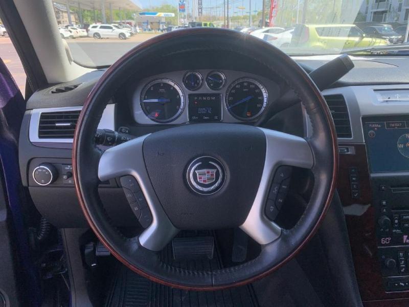 Cadillac Escalade 2010 price $22,900