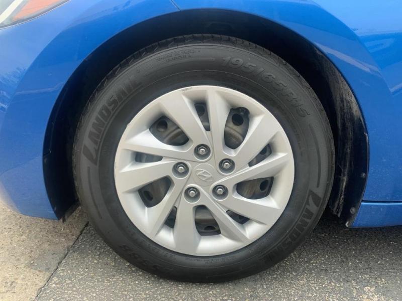 Hyundai Elantra 2017 price $9,900