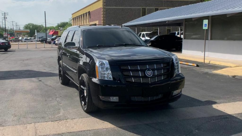 Cadillac Escalade 2013 price $24,900