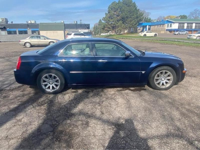 Chrysler 300 2005 price $5,495 Cash