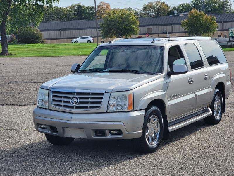 Cadillac Escalade ESV 2004 price $3,995 Cash