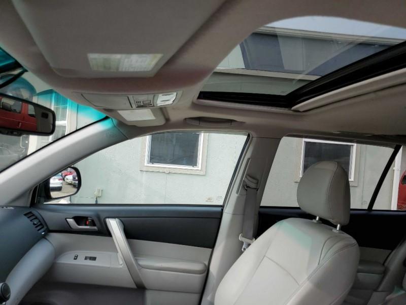 Toyota HIGHLANDER 2013 price $17,977