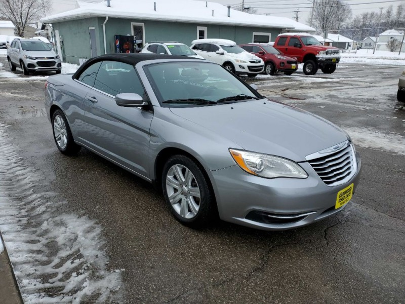 CHRYSLER 200 2013 price $10,477
