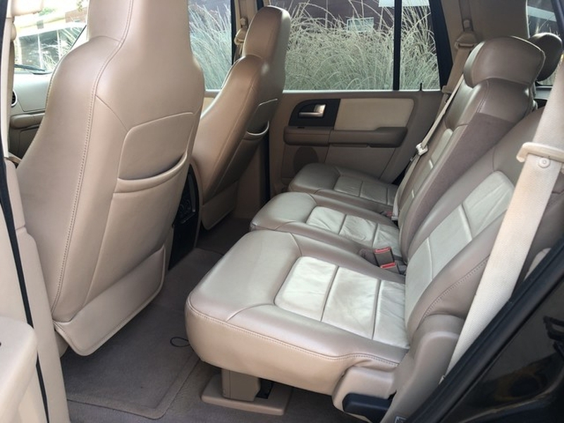 Ford Expedition 2004 price $7,498