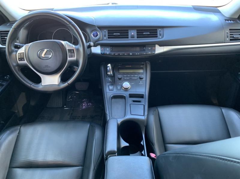 Lexus CT 200h 2013 price $9,998