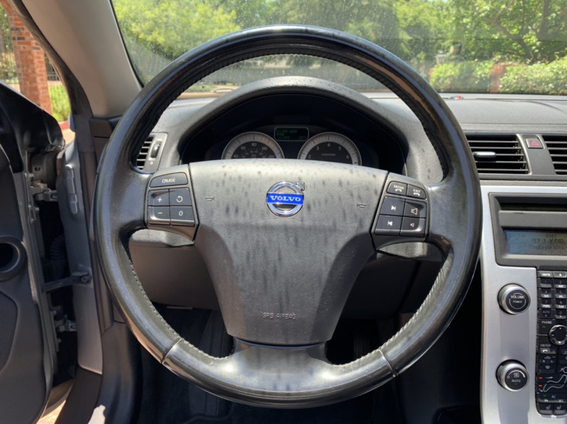 Volvo C70 2011 price $7,498