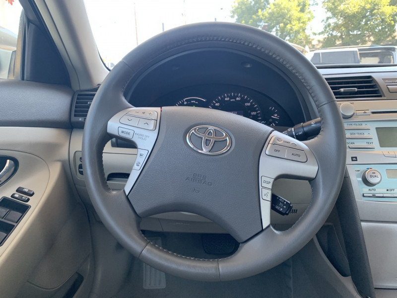 Toyota Camry Hybrid 2009 price $6,998