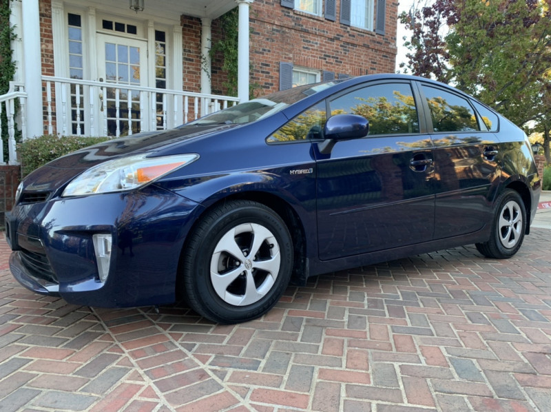 Toyota Prius 2013 price $5,998