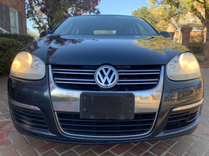 Volkswagen Jetta Sedan 2006 price $4,498