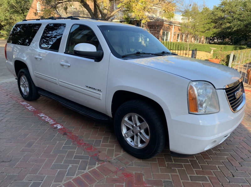 GMC Yukon XL 2010 price $9,798