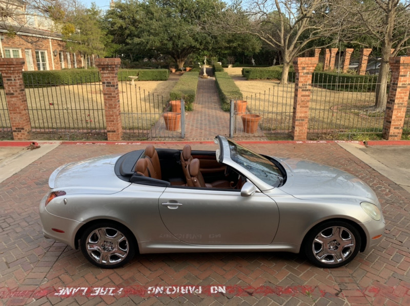 Lexus SC 430 2002 price $10,998