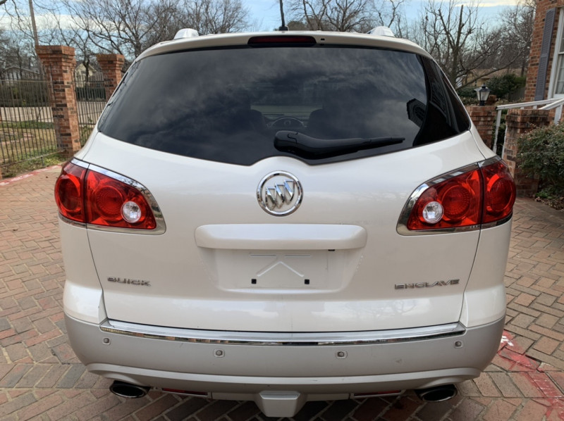 Buick Enclave 2012 price $8,998