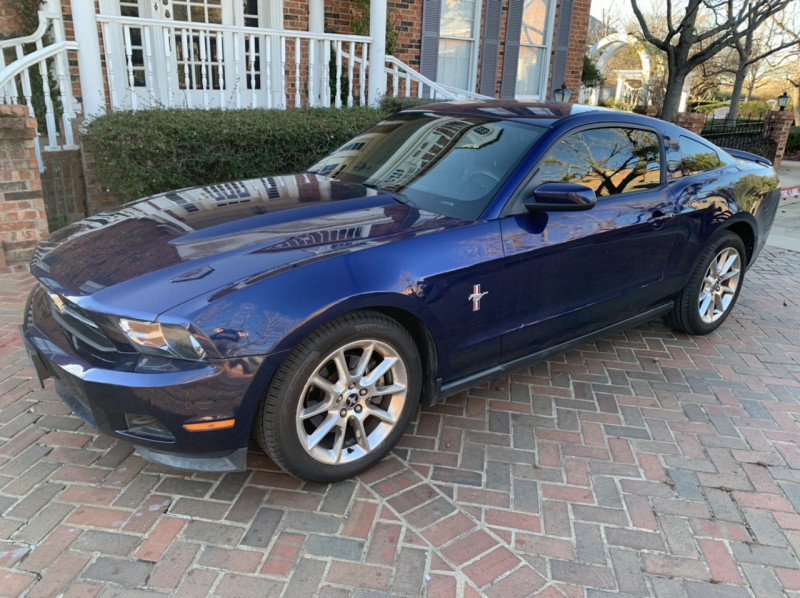 Ford Mustang 2012 price $9,998