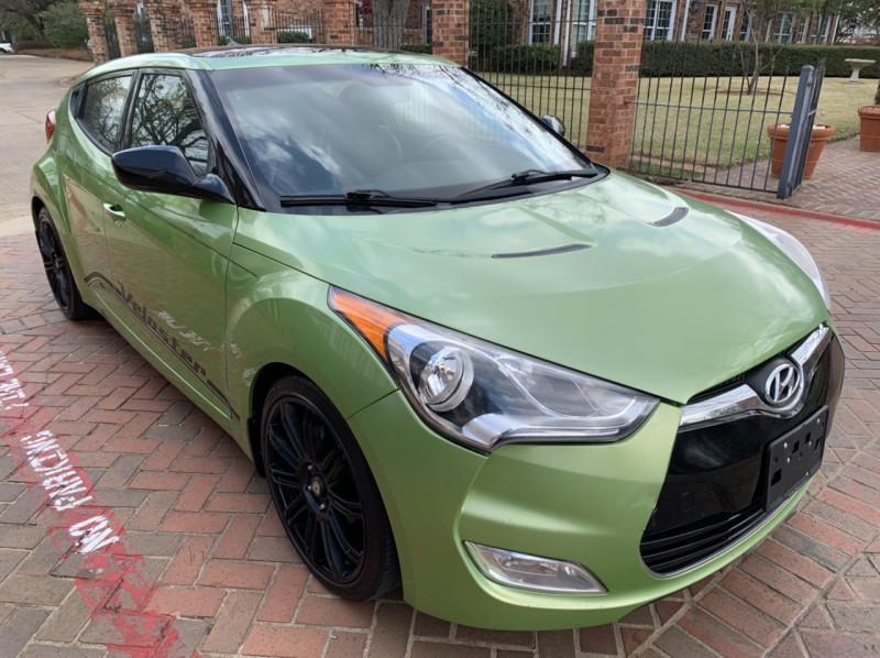 Hyundai Veloster 2012 price $8,498