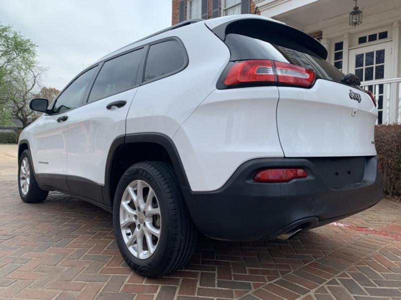 Jeep Cherokee 2016 price $10,998