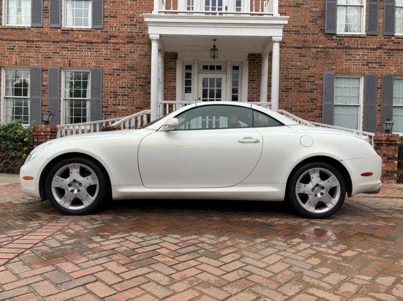 Lexus SC 430 2004 price $18,378