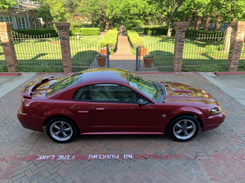 Ford Mustang 2004 price $15,998