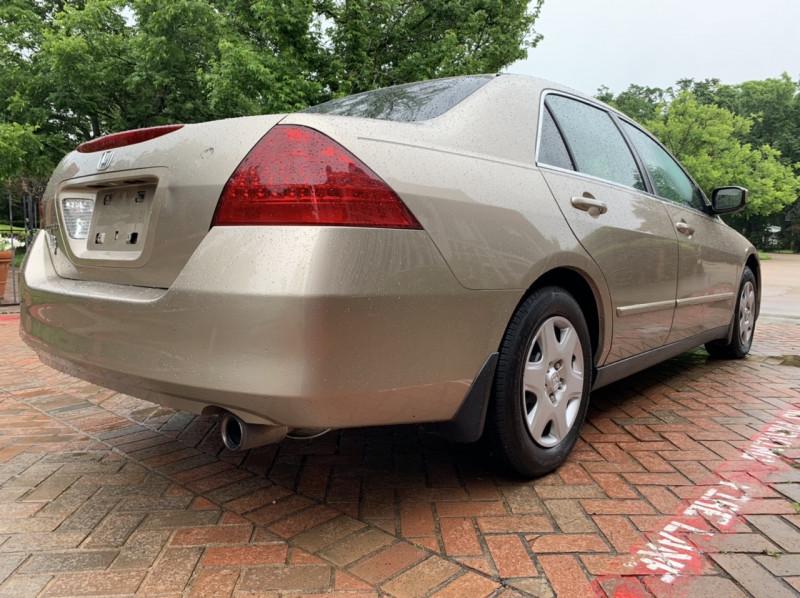 Honda Accord Sdn 2006 price $4,998
