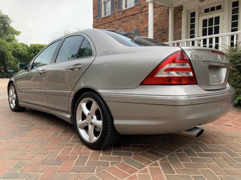 Mercedes-Benz C-Class 2005 price $5,998