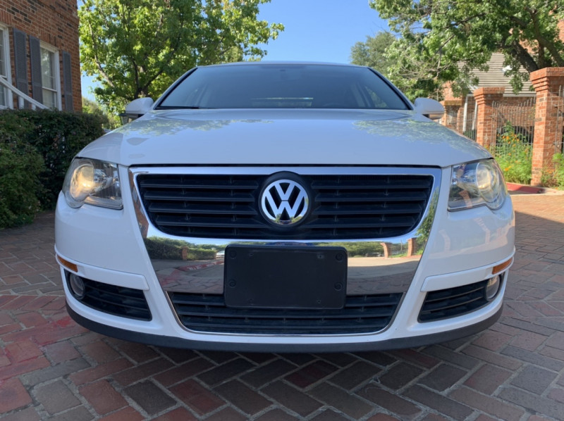 Volkswagen Passat Sedan 2009 price $7,998