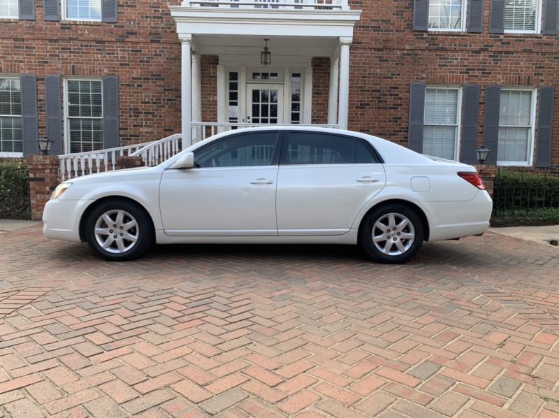 Toyota Avalon 2005 price $4,998