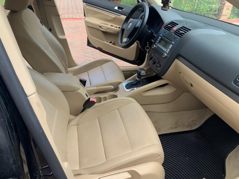 Volkswagen Jetta Sedan 2009 price $5,498