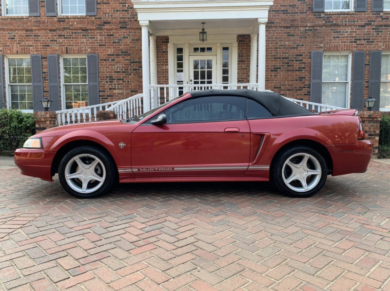 Ford Mustang 1999 price $10,798
